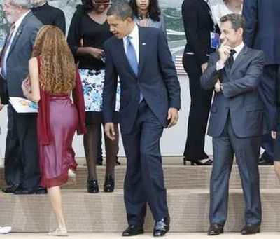 Obama spies some booty!
