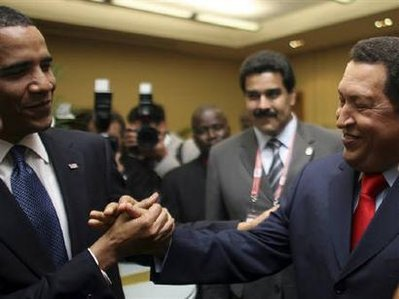 Two socialists shake hands: Barack Obama and Hugo Chavez