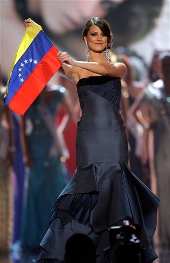 Waving the OLD Venezuela flag