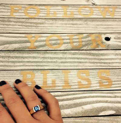 Feminist career-girl traveler says: follow your bliss