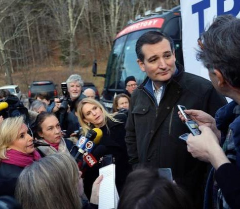 Ted Cruz meets voters at a campaign event