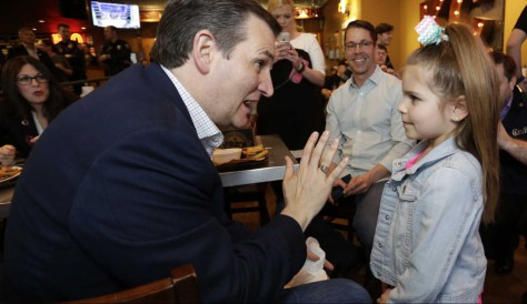 Ted Cruz explains policy to little girl who wants to be President